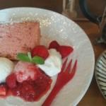 地元イチゴのシフォンケーキ&ジェラートと豆岳コーヒー